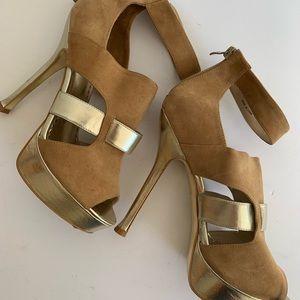 🖤BEBE Metallic Gold and Suede Heel
